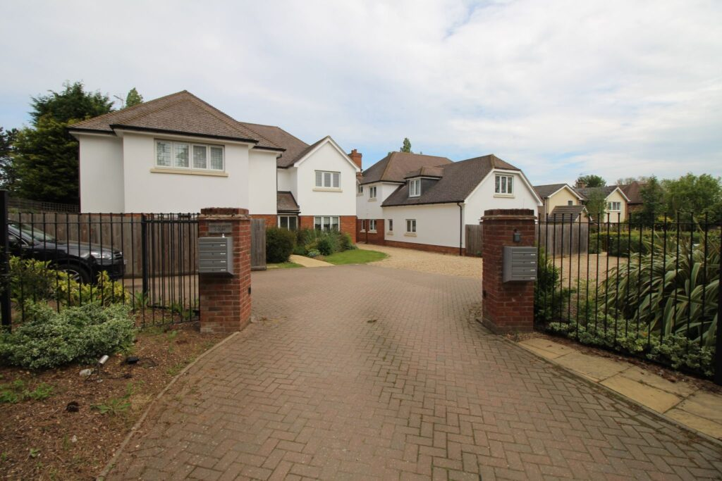 Houghton Road, Huntingdon